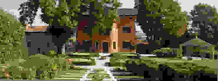 Casas de estilo clásico de ADS Studio di Architettura Clásico