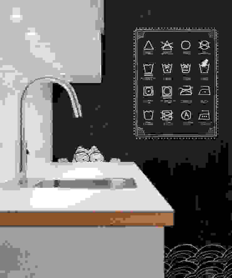 Minimalist style bathroom by INT2architecture Minimalist