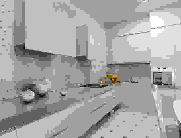 Белый интерьер в стиле ар деко:  в современный. Автор – pashchak design, Модерн