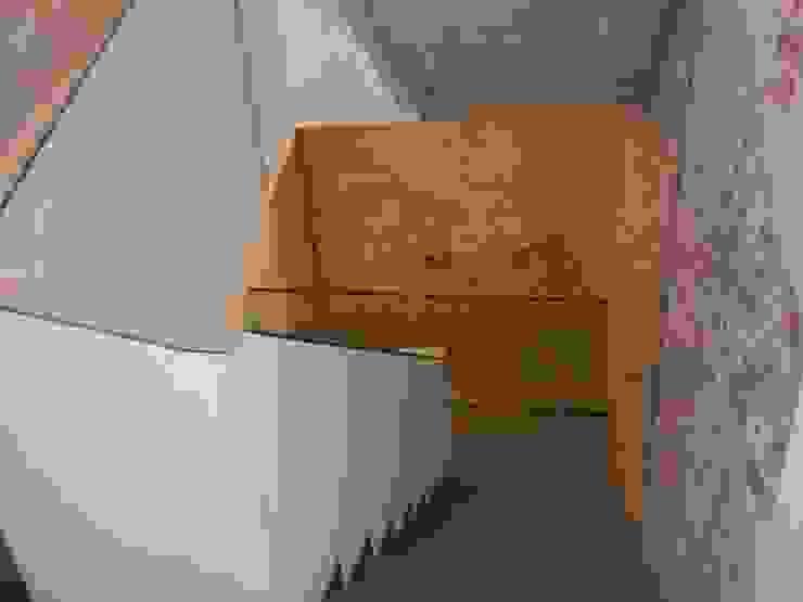 Göttling Fliesentechnik GmbH Industrial style corridor, hallway and stairs
