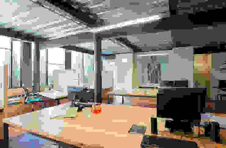 Kantor & Toko Gaya Industrial Oleh Cm2 Management Industrial