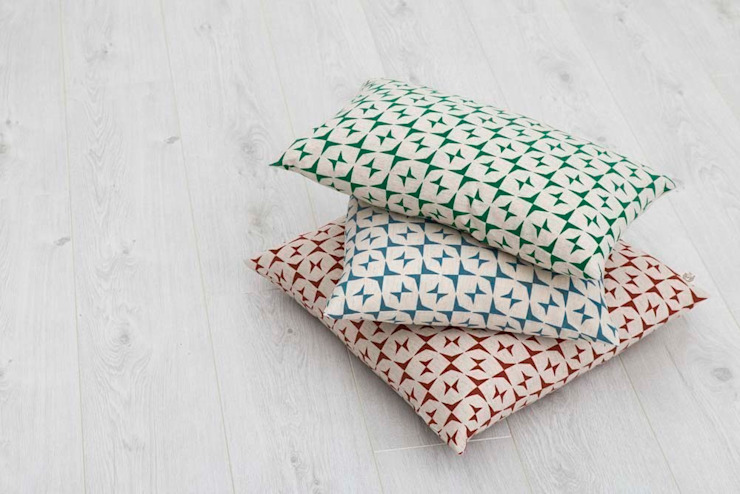 Cotton and linen hand screen printed cushions de akin & suri Escandinavo