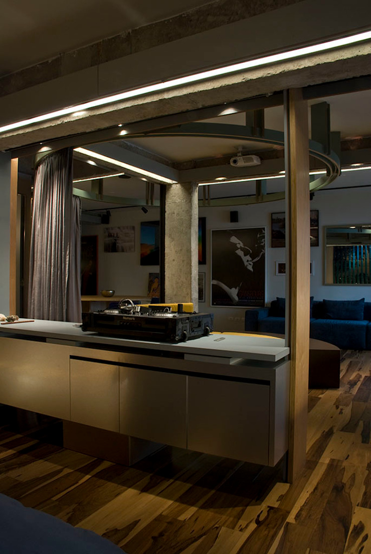 Interior | Apartamento – IV Salas de estar modernas por ARQdonini Arquitetos Associados Moderno