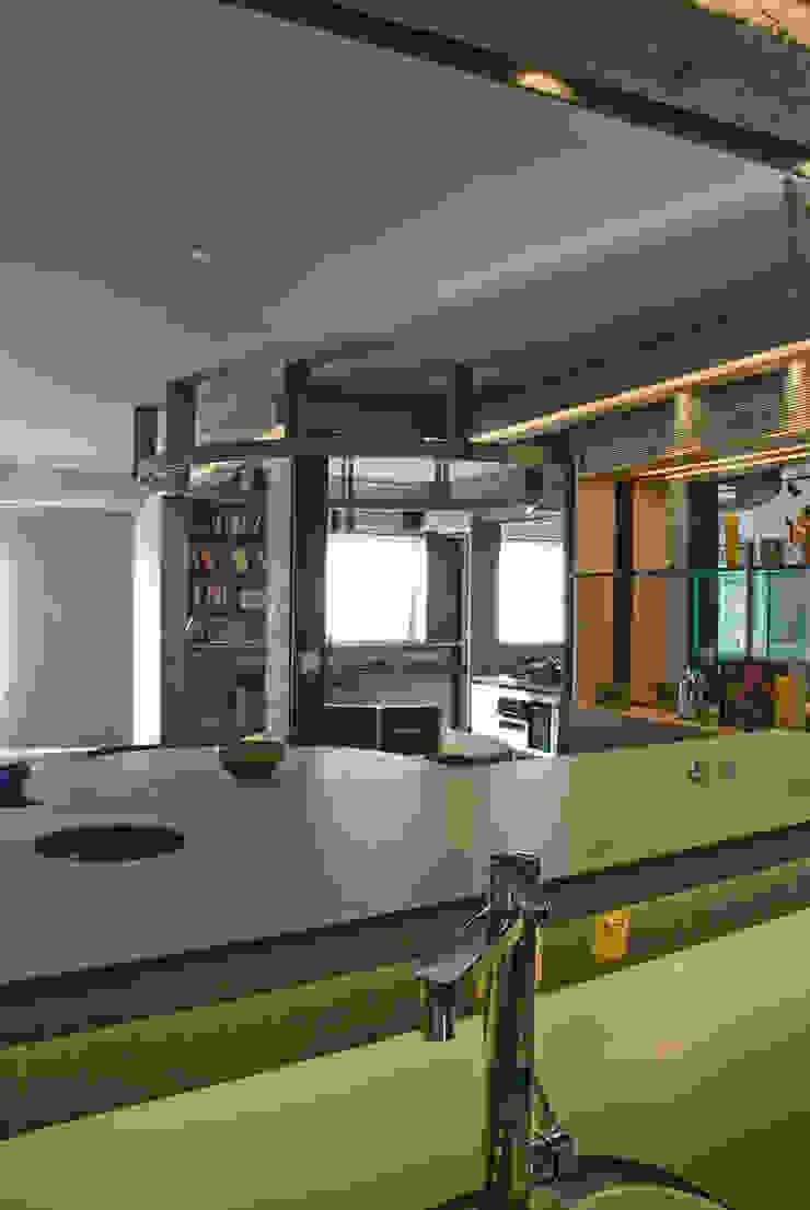 Interior | Apartamento – IV Cozinhas modernas por ARQdonini Arquitetos Associados Moderno