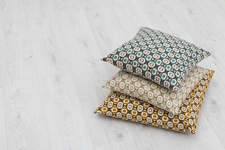 Cotton and linen hand screen printed cushions от akin & suri Скандинавский