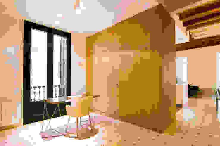 Phòng học/văn phòng phong cách chiết trung bởi IF arquitectos Chiết trung