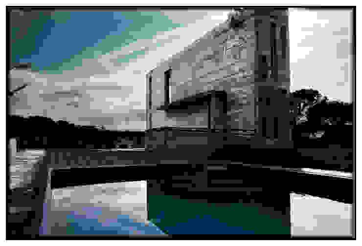 Casa en Dosrius - Barcelona Piscinas de estilo moderno de IF arquitectos Moderno