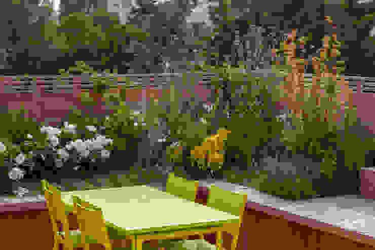 Garches Toit Terrasse Balcon, Veranda & Terrasse modernes par AD Concept Gardens Moderne