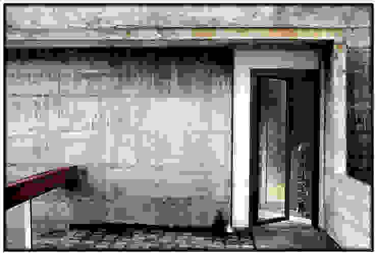 Casa en Dosrius - Barcelona Puertas y ventanas de estilo minimalista de IF arquitectos Minimalista