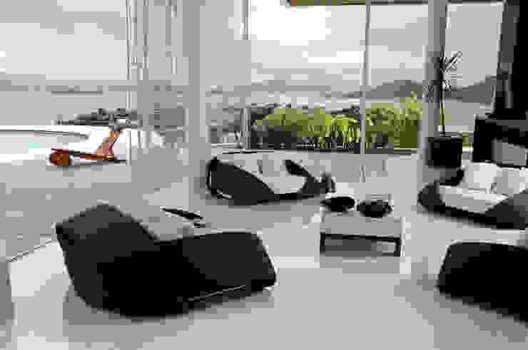 Cond. St. Barth Salas de estar modernas por Mantovani e Rita Arquitetura Moderno