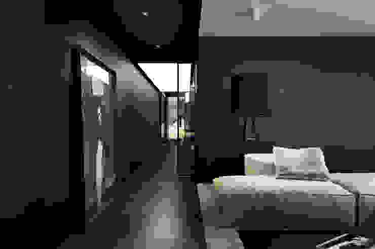 Minimalistische Wohnzimmer von KUOO ARCHITECTS Minimalistisch