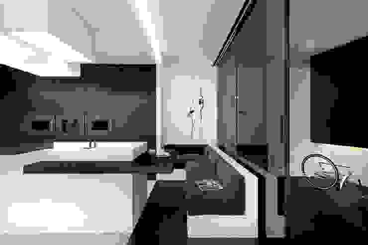 Cocinas de estilo minimalista de KUOO ARCHITECTS Minimalista