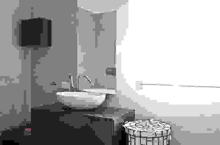 Moderne badkamers van micheladesalvadori architetto Modern