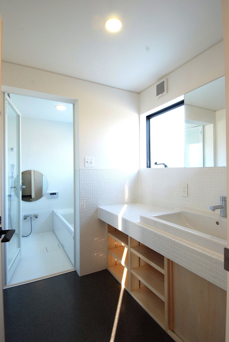 株式会社PLUS CASA Modern bathroom
