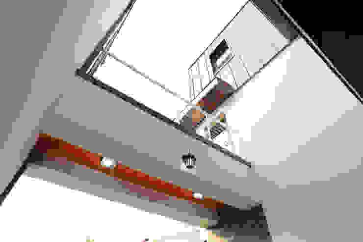 하남주택 2층 브릿지 모던스타일 발코니, 베란다 & 테라스 by 주택설계전문 디자인그룹 홈스타일토토 모던