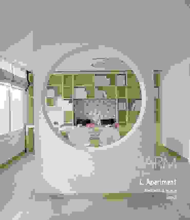 가족을 위한 L 아파트 모던스타일 서재 / 사무실 by 참공간 디자인 연구소 모던