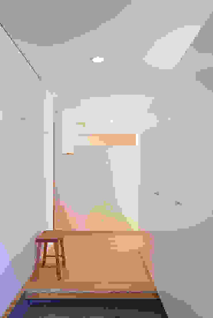 柿の木のある家 オリジナルスタイルの 玄関&廊下&階段 の あきもとちえこ建築設計事務所 オリジナル