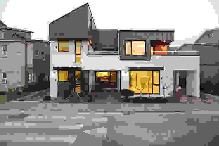 하남주택의 정면 모던스타일 주택 by 주택설계전문 디자인그룹 홈스타일토토 모던