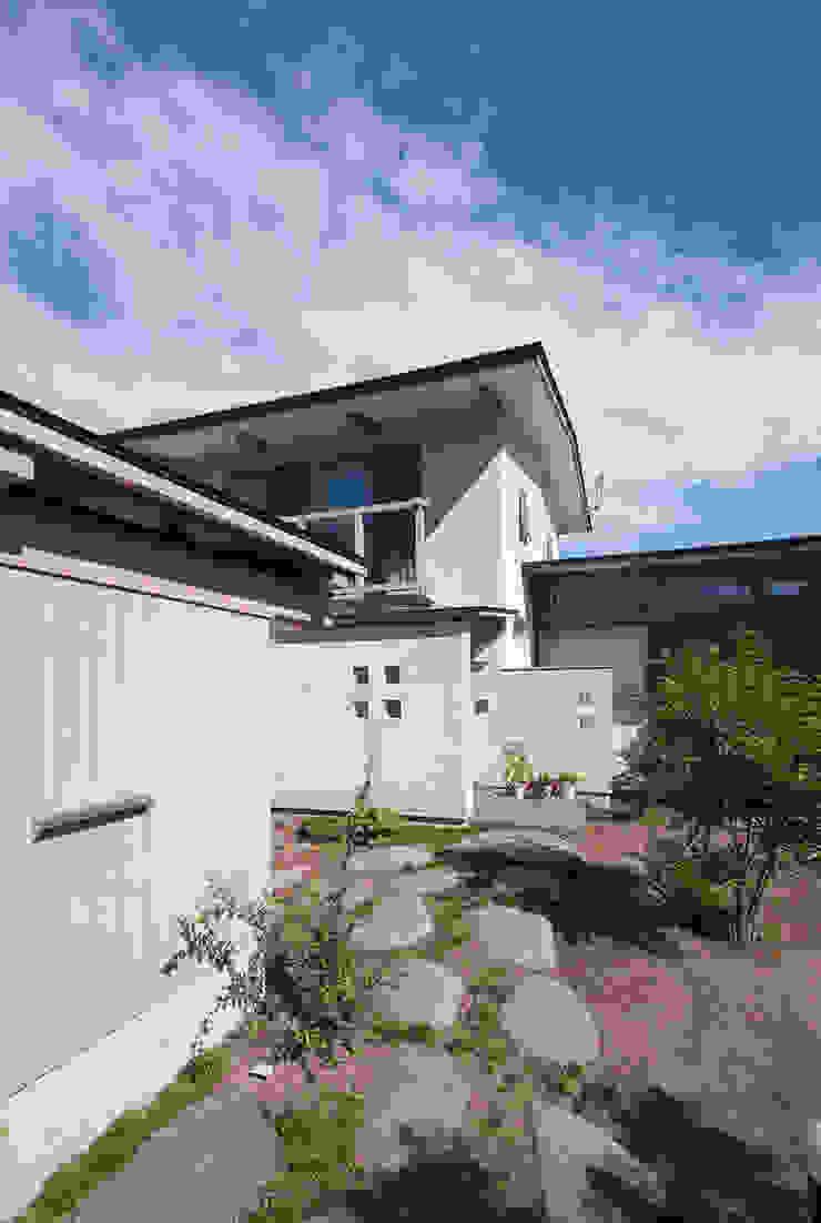 柿の木のある家 オリジナルな 家 の あきもとちえこ建築設計事務所 オリジナル