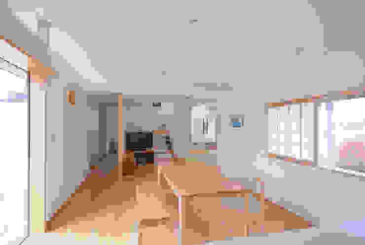 柿の木のある家 オリジナルデザインの ダイニング の あきもとちえこ建築設計事務所 オリジナル