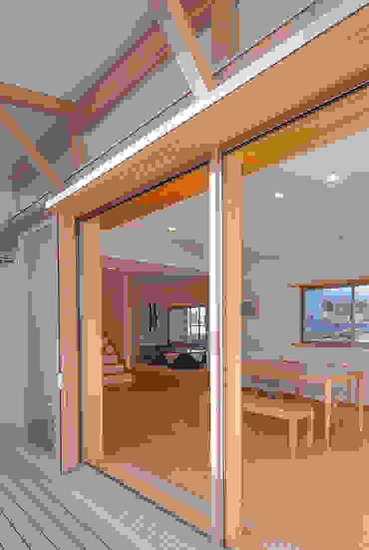 柿の木のある家 オリジナルな 窓&ドア の あきもとちえこ建築設計事務所 オリジナル