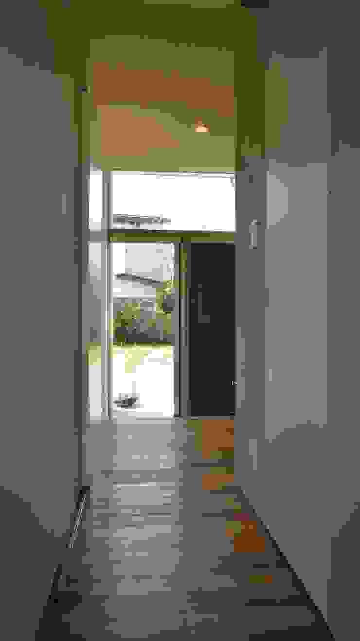 Danchi house ―どこにでもある団地の家― モダンな 窓&ドア の 一級建築士事務所オブデザイン モダン