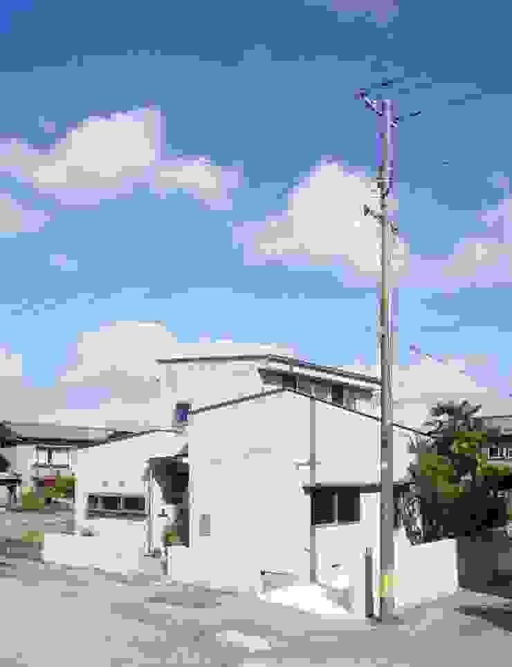Danchi house ―どこにでもある団地の家― モダンな 家 の 一級建築士事務所オブデザイン モダン