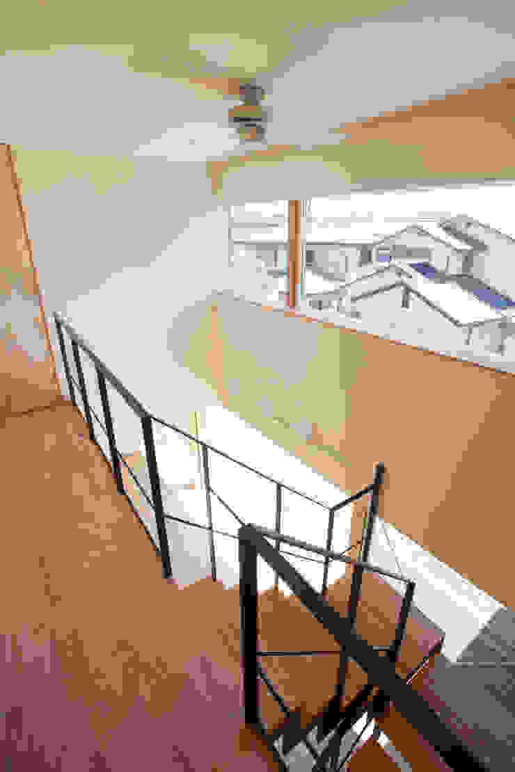 K-House モダンスタイルの 玄関&廊下&階段 の 一級建築士事務所オブデザイン モダン