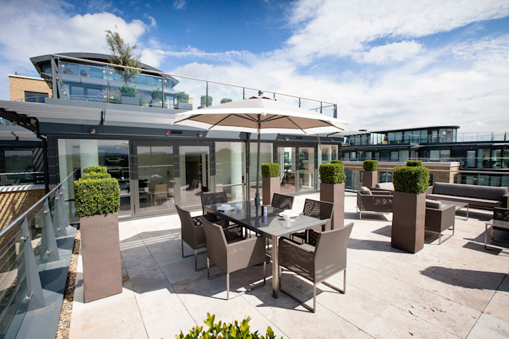 Kew Roof Terrace by Cameron Landscapes and Gardens Modern
