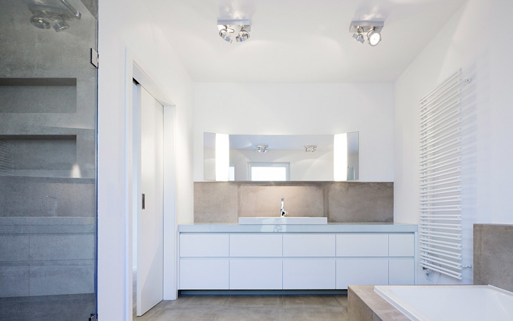 Minimalist bathroom by Skandella Architektur Innenarchitektur Minimalist