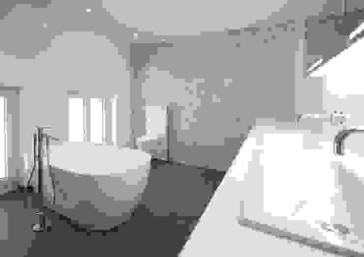 Ванная комната в стиле модерн от Bogen Design GmbH Модерн