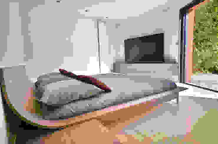 Aménagement Suite parentale Chambre minimaliste par AGENCEMENT3D Minimaliste
