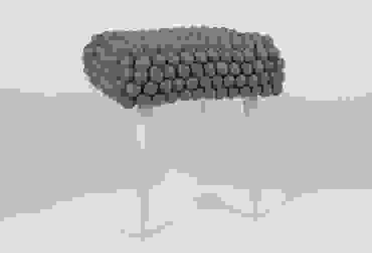 stołek grey cells od felt stories Nowoczesny