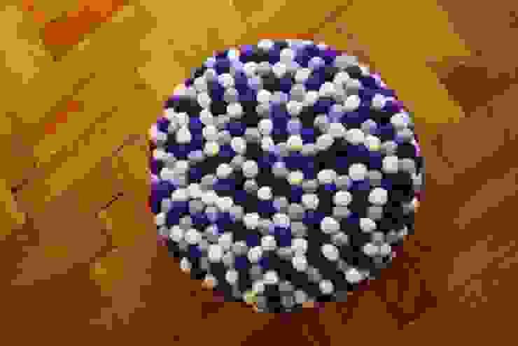 pufa okrągła lavender field od felt stories Nowoczesny