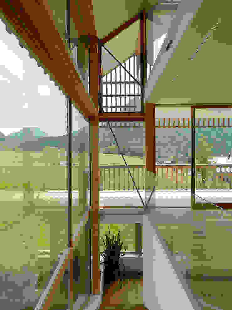 haus m, Bad Aussee Moderner Flur, Diele & Treppenhaus von Hohensinn Architektur Modern