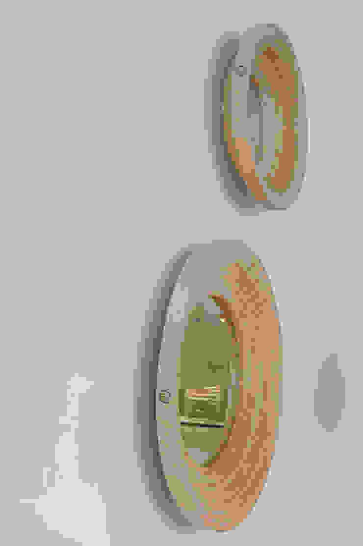 Twisted Mirror: modern  door Studio Erwin Zwiers, Modern