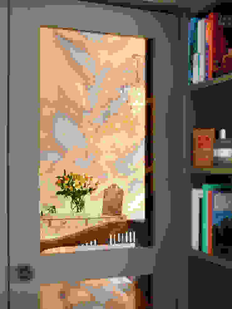 Bespoke wardrobe and pidgeon hole shelving: modern  by ZazuDesigns, Modern