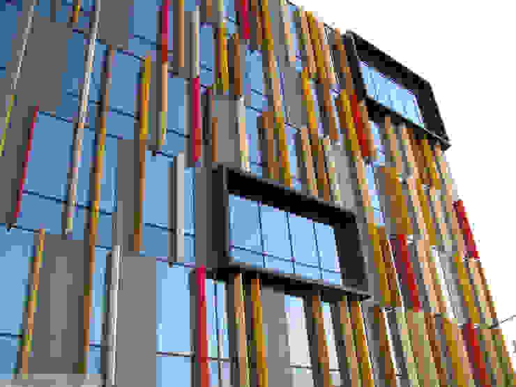 Herbestemming Postsite Aalst Moderne kantoorgebouwen van Abscis Architecten bvba Modern