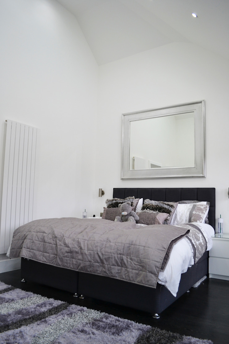 Cathedral Ceiling In Main Bedroom - As Built Modern style bedroom by Arc 3 Architects & Chartered Surveyors Modern