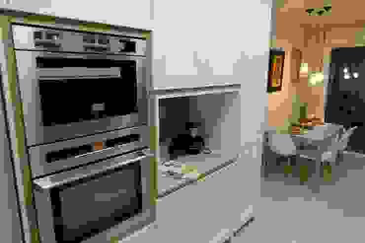 Diseño de Cocina en Madrid Cocinas de estilo clásico de Línea 3 Cocinas Clásico
