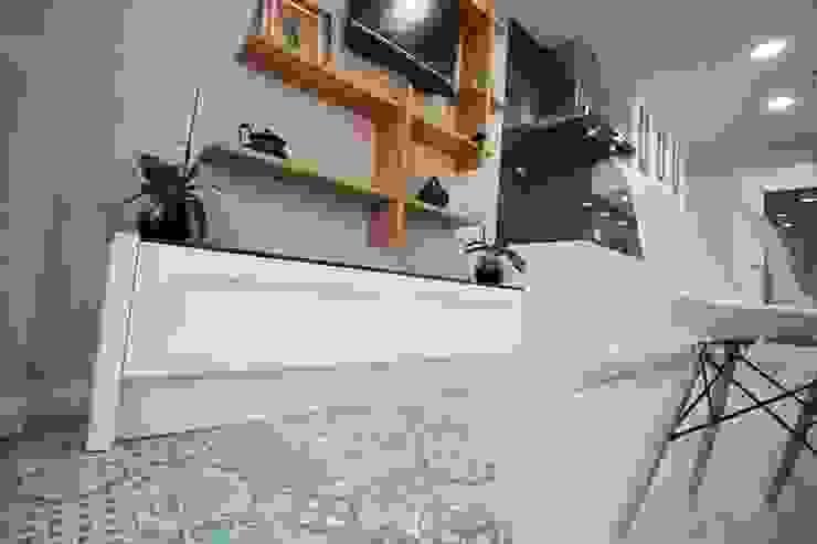 Diseño de Cocina en Madrid Cocinas de estilo moderno de Línea 3 Cocinas Moderno