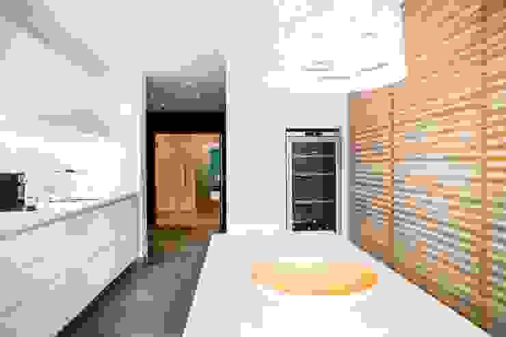 Cozinhas  por Hélène de Tassigny, Moderno