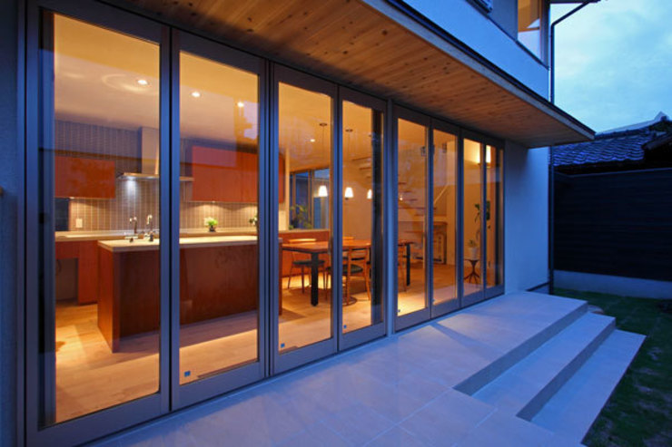 http://www.archiships.jp/datafile/works/works1/bagardens/bag23.html モダンデザインの テラス の アーキシップス古前建築設計事務所 モダン