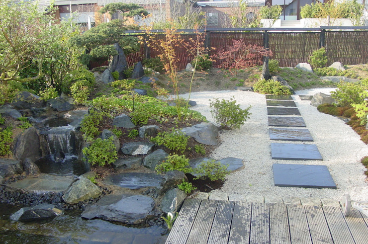 Moderne trifft Tradition Asiatischer Garten von Kokeniwa Japanische Gartengestaltung Asiatisch