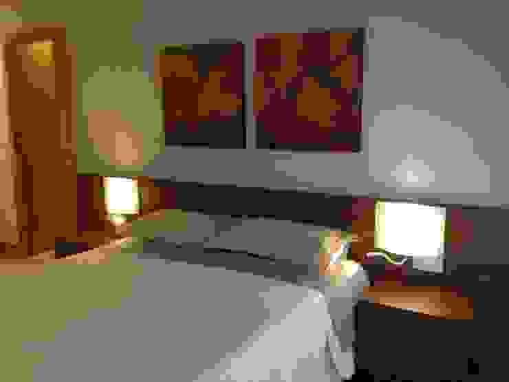 habitación Dormitorios de estilo moderno de RODEK arquitectura interior Moderno