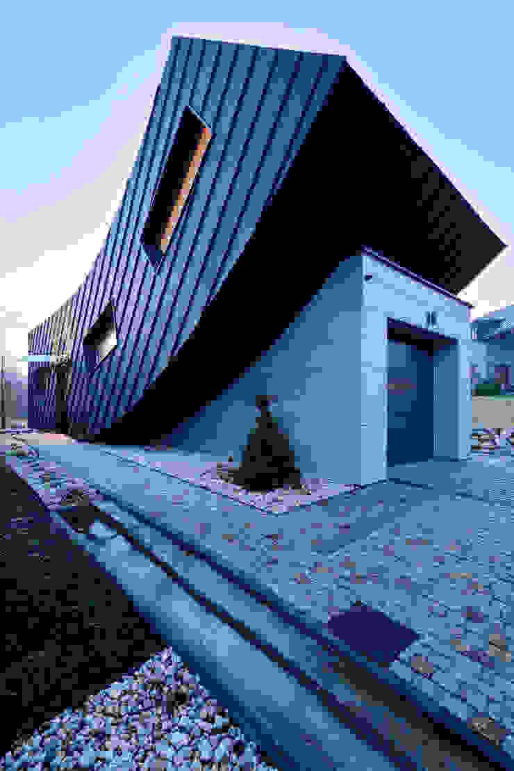 Casas minimalistas de ARCHITEKT.LEMANSKI Minimalista