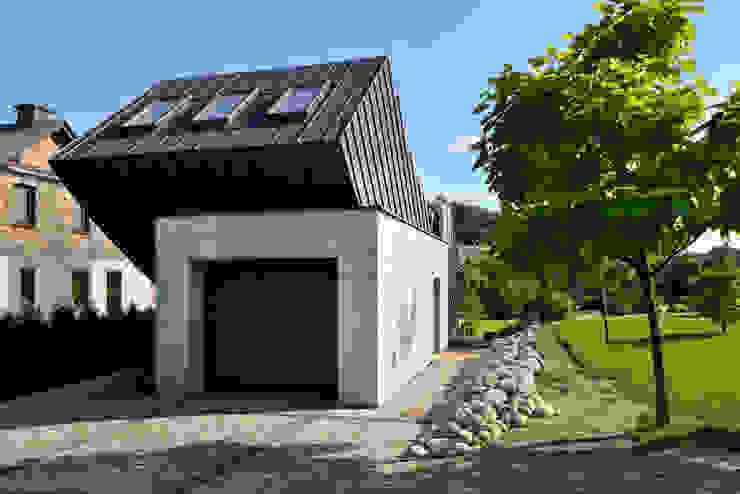 Casas  por ARCHITEKT.LEMANSKI, Minimalista