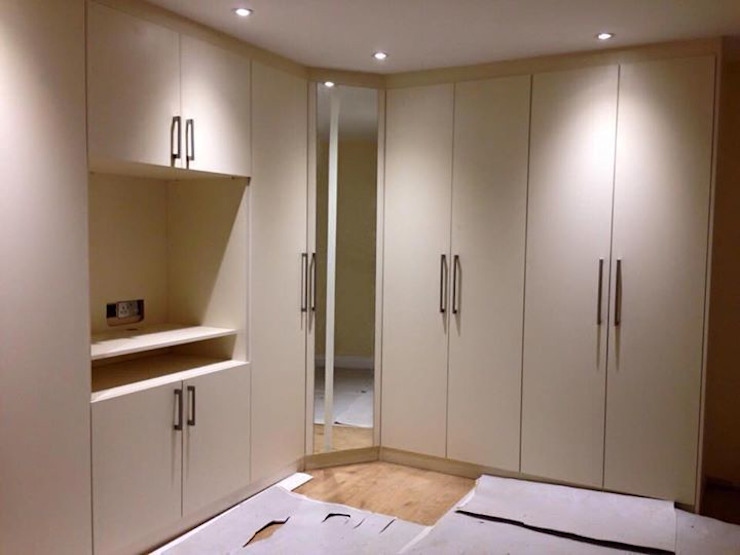 Smiths in Action Smiths fitted wardrobes Ltd BedroomWardrobes & closets