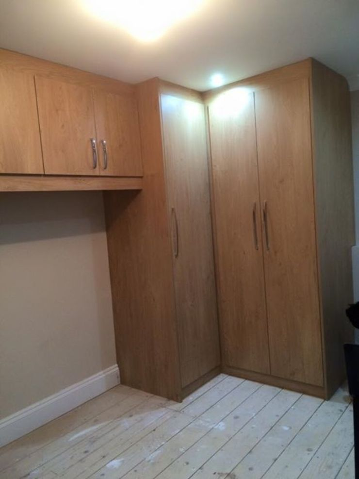 Smiths in Action: classic  by Smiths fitted wardrobes Ltd, Classic