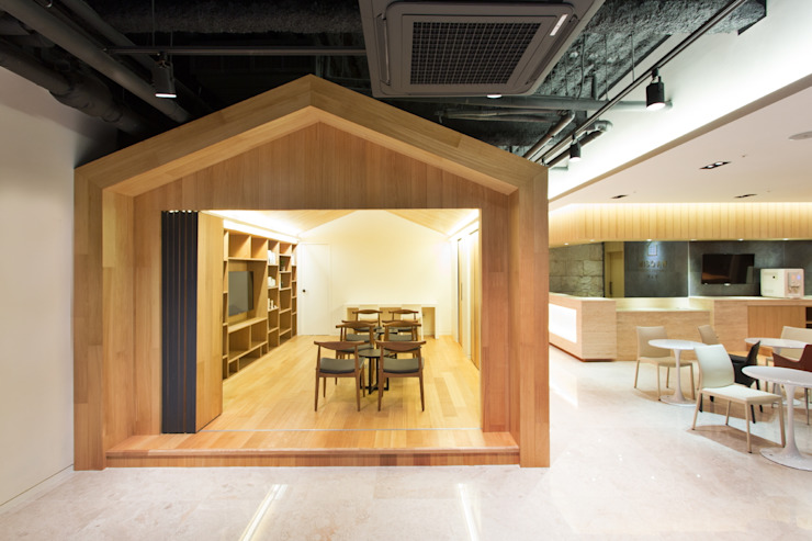 A House for Nature and People / YLAB 모던스타일 서재 / 사무실 by Y L A B 모던